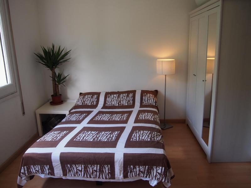 Stunning, Sunny apartment, Ramblas - Image 1 - Barcelona - rentals