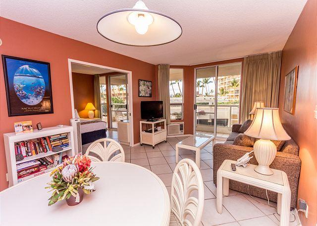 SUMMER SPECIALS! Third Floor Condo at The Maui Banyan - Image 1 - Kihei - rentals