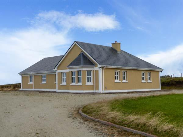 BALLYCROY PLACE, single-storey, all bedrooms have en-suites, open fire, sea views, near Ballycroy, Ref 29257 - Image 1 - Doohooma - rentals