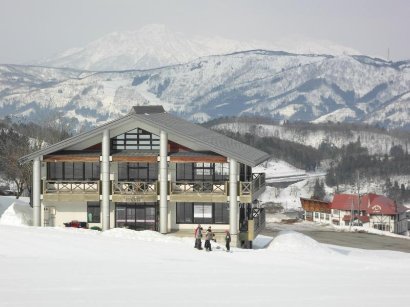 Ski in ski out boutique ski lodge - Boutique ski-in ski-out lodge in ideal location - Nozawaonsen-mura - rentals