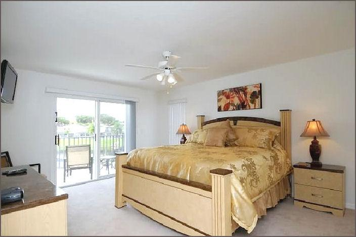 First Floor Master with Balcony - Sunset Dream, Lake Views, Hot Tub, Disney 4 Miles - Kissimmee - rentals