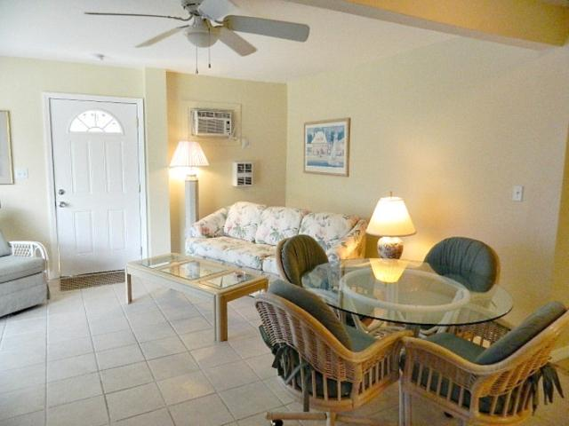 106-8 Trop Shr #3 TS3 - Image 1 - Fort Myers Beach - rentals