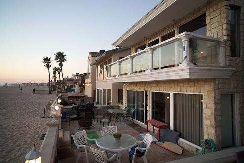Nothing between you and the crashing waves! - Elegance on the Sand!  UPPER LEVEL UNIT - Newport Beach - rentals