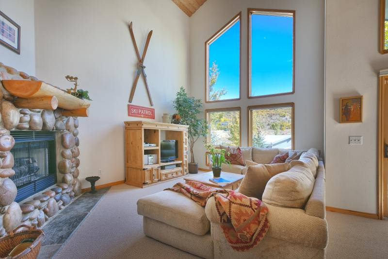 Gorgeous fireplace - 4BR Ski House in Deer Valley, Minutes to Main St! - Park City - rentals
