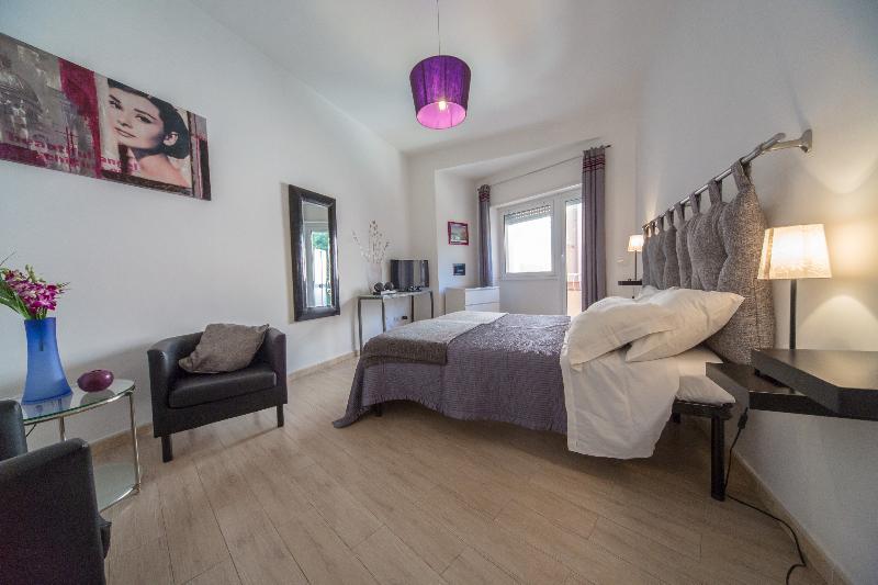 Violet - Image 1 - Roma - rentals