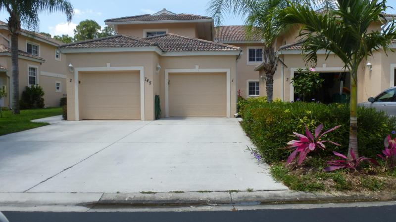 Exterior - Coach Home in Gated Community in Naples Florida - Naples - rentals