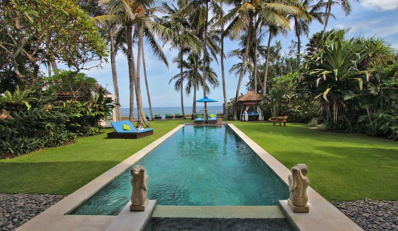 Swimming Pool - Villa Samudra Beachfront 15 min drive to Sanur - Ketewel - rentals