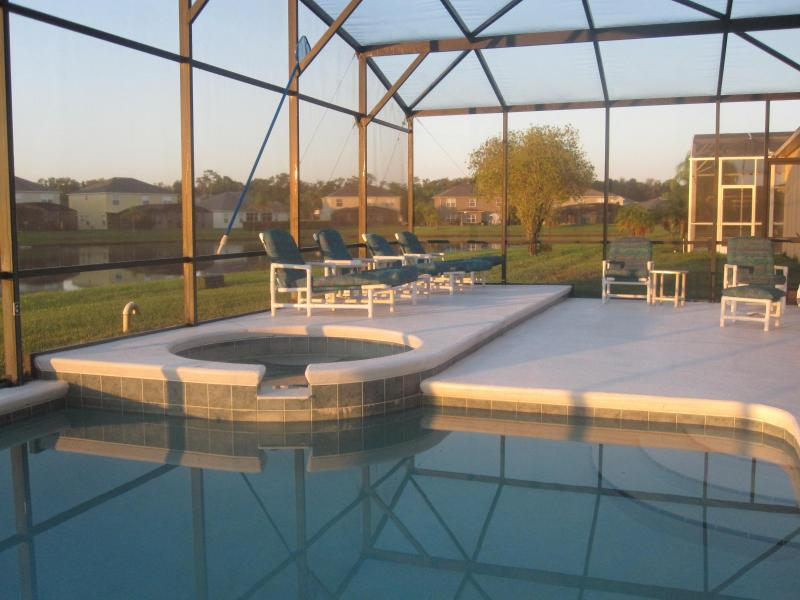 Fantastic south facing pool - luxury pool deck - Executive Villa with Stunning Lakeviews & South Facing Pool and Spa / Jacuzzi - a dream vacation home - Kissimmee - rentals