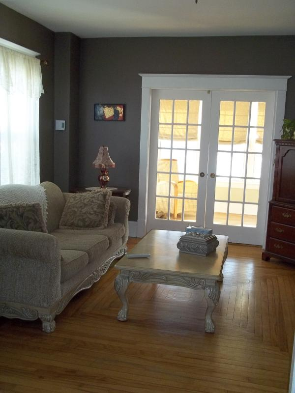 Two bedroom Victorian home - Image 1 - Dieppe - rentals