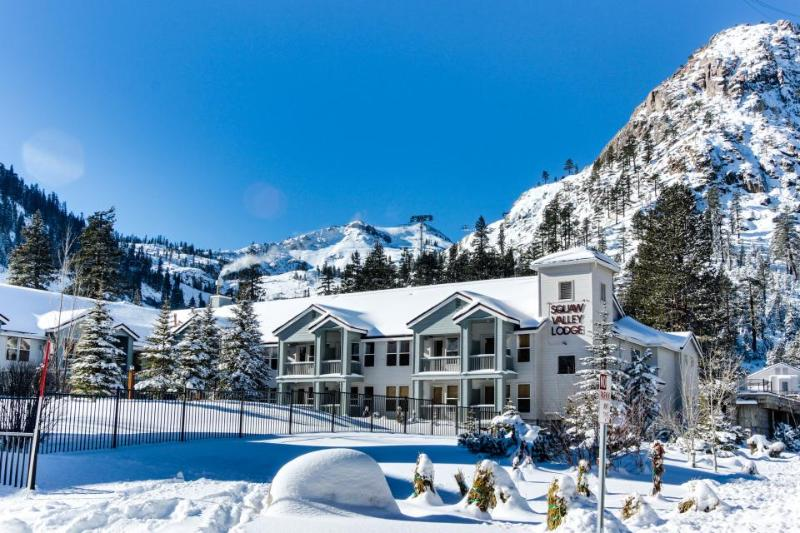Ski-in/Ski-out home in Squaw w/pool, hot tub, great location - Image 1 - Olympic Valley - rentals