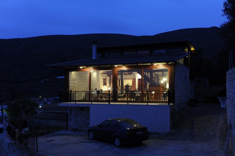 Spacious and luxurious Villa with amazing sea views - sleeps 6-8 - Image 1 - Lithakia - rentals