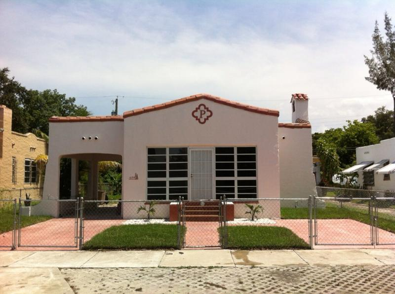 The front of the house - Perry's Place - Coconut Grove - rentals
