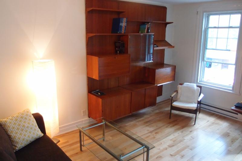 Living Room 1 - HOMA - Spacious Open 2 bdr apt - Montreal - rentals