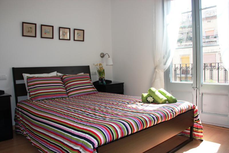 Flat Central - Sagrada Familia for 5 People - Image 1 - Barcelona - rentals