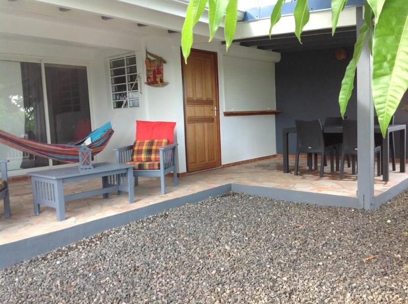 vue du gîte sa terrasse et sa cour - Gîte Mango 4**** La Maison Calebasse 2 personnes - Saint-François - rentals