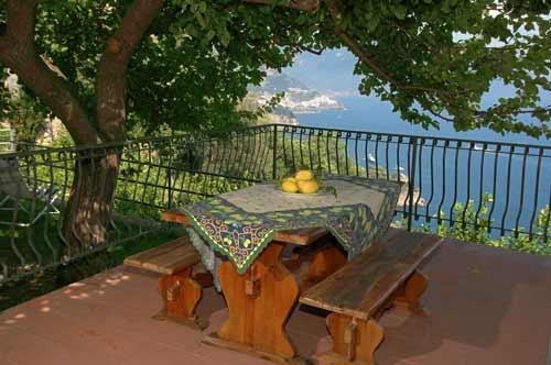terrace at the entrance with table and chairs - Casa Amalfi51 beuatiful house in Conca dei Marini - Conca dei Marini - rentals