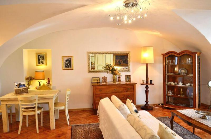 Apartment Baroque in the beautiful Old Town - Image 1 - Zagreb - rentals