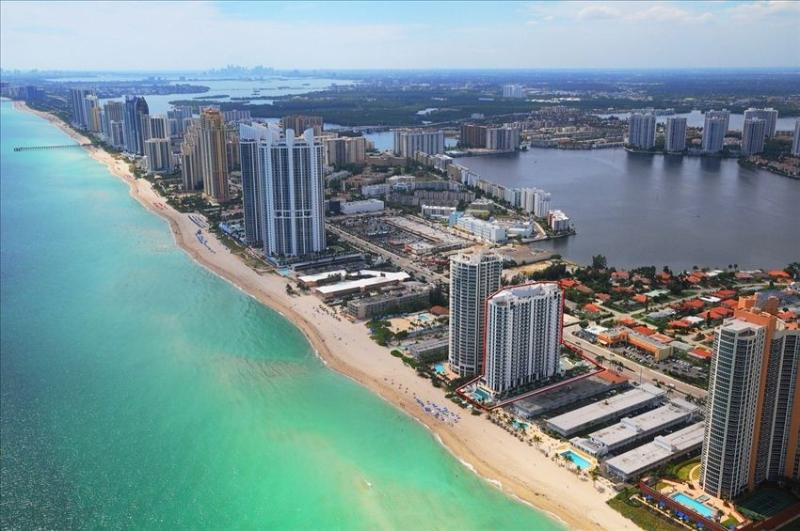 Oceanfront View! 1 bedroom suite at the Marenas Hotel in Sunny Isles - Luxurious 1/1 Ocean View Unit at the Marenas Resort! - Sunny Isles Beach - rentals
