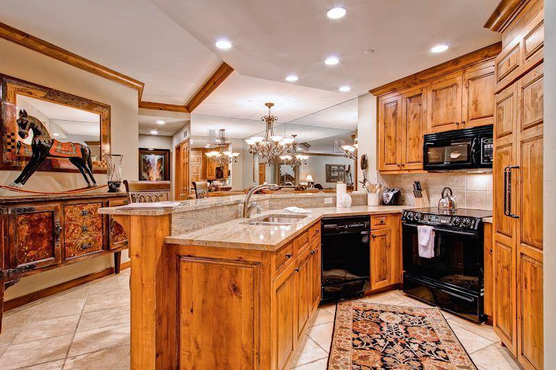 Highlands Lodge  208 - Image 1 - Beaver Creek - rentals