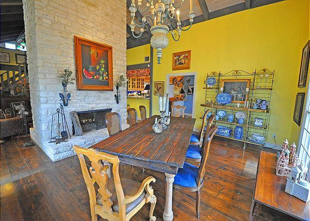 Dining Room - Dripping Springs Ranch Surrounded by Adventure – Great for Weddings/Families - Dripping Springs - rentals