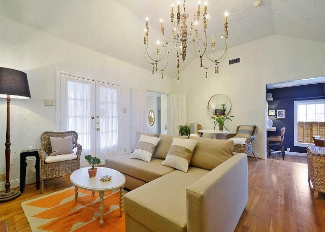 Connected Sides - Moroccan-Inspired Retreat in SoLa -- Walk to Downtown! Sleeps 8 - Austin - rentals