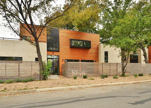The Main House - 4BD/3.5New unbelievable architect designed home East 4th close to everything! - Austin - rentals