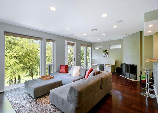 Comfort With A View - 3BR/2.5 with rooftop deck.  Across the street from Zilker Park. - Austin - rentals