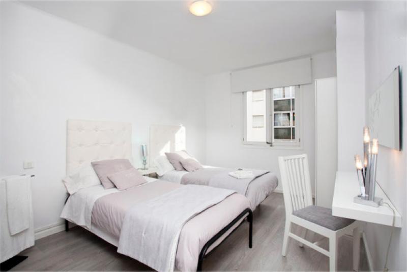 Mayka's Flat B&B 2 Bathrooms & Free Wifi - Image 1 - Palma de Mallorca - rentals