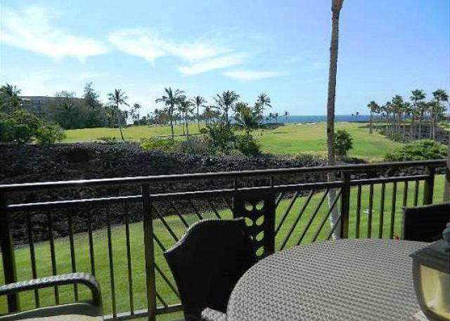 Dining on the Lanai with Ocean Views - Hali'i Kai 8F - Ocean Views and Close to Ocean Front Pool - Waikoloa - rentals