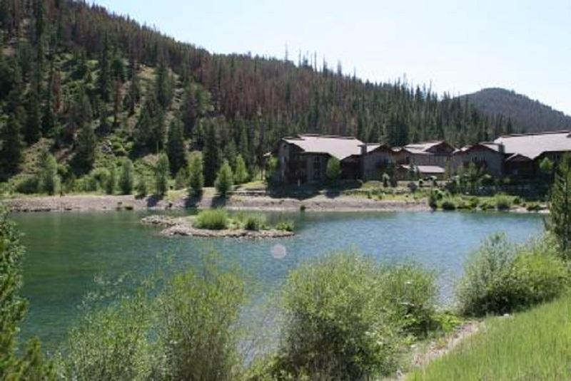 The nearby pond as you drive into Swan's Nest - Breckenridge Sweet Retreat! - Breckenridge - rentals