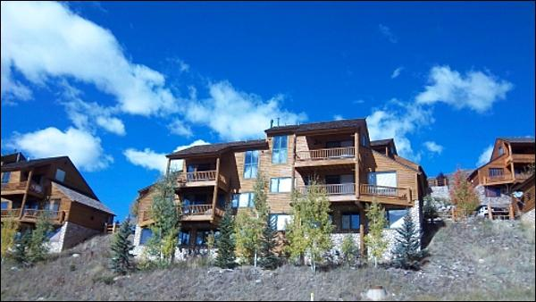 Convenient, Central Loation - Beautiful, Three-Story Duplex - Rustic Wood & Stone Accents (1389) - Crested Butte - rentals