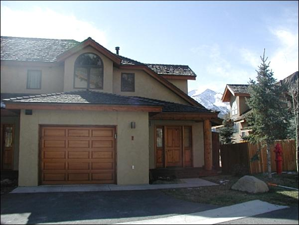 Upscale, Sunny Townhouse - Across from the Club at Crested Butte Golf Course - Spectacular Mountain Views (1396) - Crested Butte - rentals