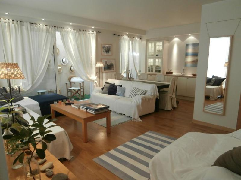 A Cozy Apartment close to Glyfada Center - Athens - Image 1 - Glyfada - rentals