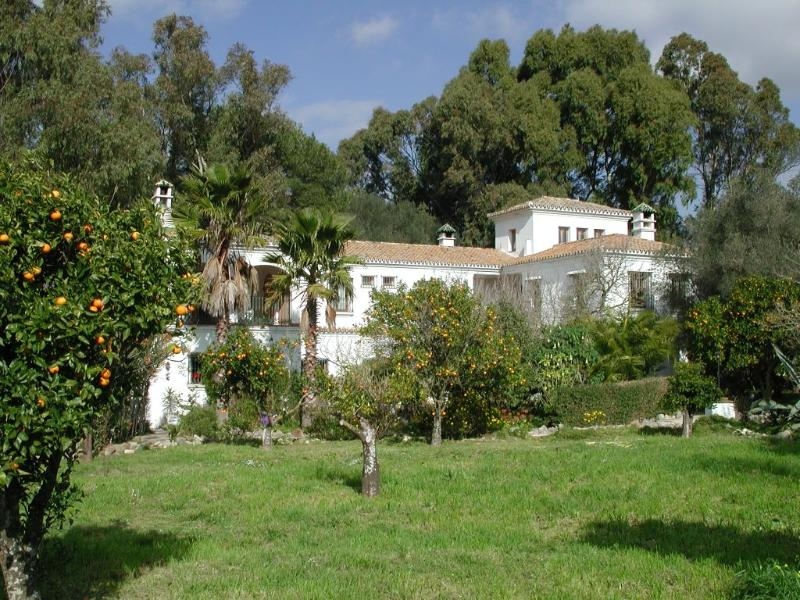 Main House of the Finca with La Torre in the East Wing (right side) - La Torre -  terrace, heating, WiFi, pool, garden - Costa de la Luz - rentals