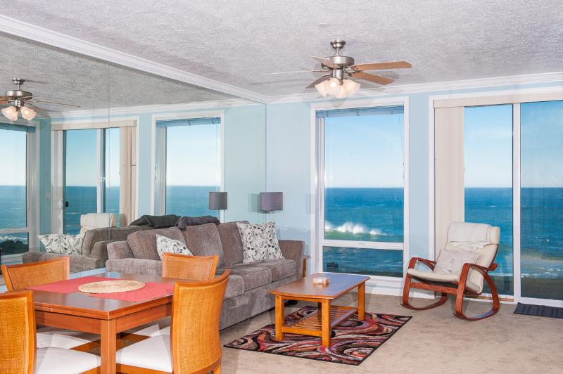 Oceanfront Views of the Oregon Coast - *Promo!* - Spacious Oceanfront Condo - Indoor Pool, Hot Tub, HDTV, WiFi & More! - Depoe Bay - rentals