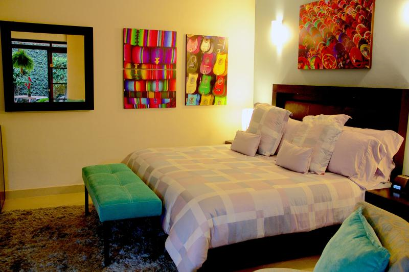 AT'N EXECUTIVES! 5-STAR SUITE AVAILABLE JULY 16-18 - Image 1 - Mexico City - rentals