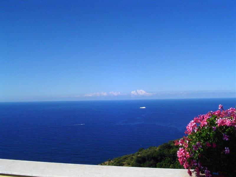 LUXURY 4BED/3BATH AMAZING SEA VIEW - Image 1 - Massa Lubrense - rentals