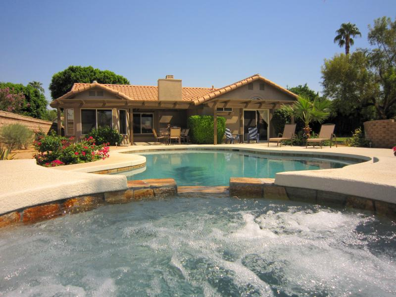 Beautiful oversized East, South and West facing gardens surround our mountain view vacation home - S/W facing PRIVATE POOL & SPA w/mountain views - La Quinta - rentals