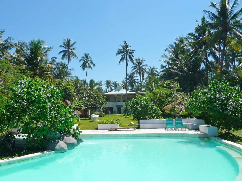 Main house in park - Front beach Luxury Villa in Bali MIKELANJELO residence - Indonesia - rentals