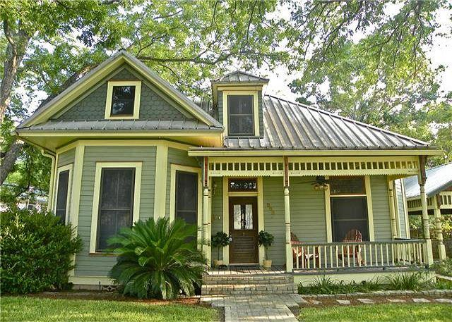 Front - 7BR/4BA  Unique House and Cottage on South Congress in Austin - Austin - rentals