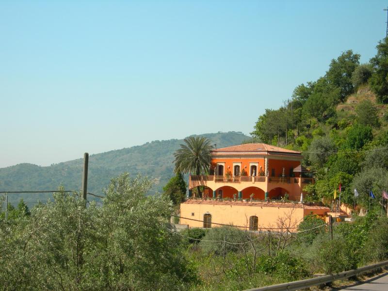 Villa Due Angeli - Villa Due Angeli.......Taormina Sicily Vicinity - Graniti - rentals