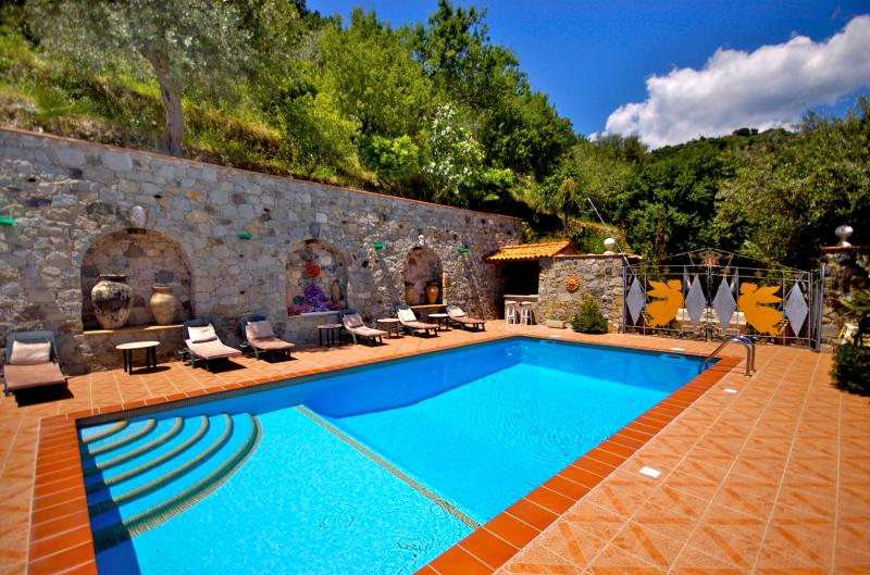 Tiled Swimming Pool with wet bar - Villa Due Angeli.......Taormina Sicily DELUXE - Taormina - rentals