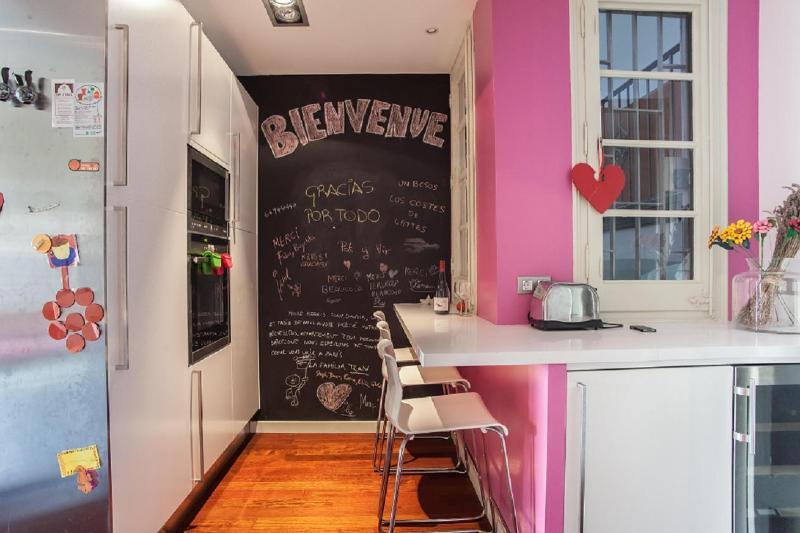 breakfast corner in the kitchen - Family friendly flat close to Plaza de España - Barcelona - rentals
