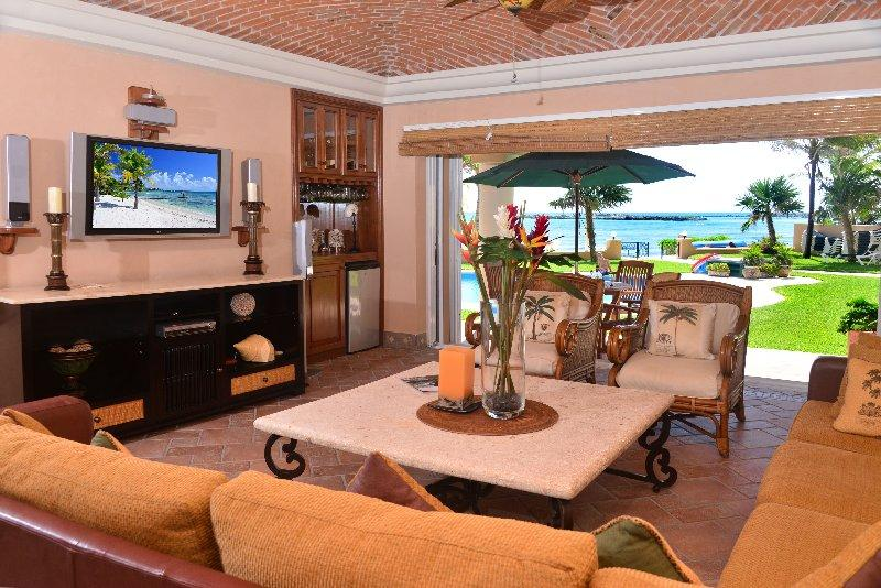 Casa Palmilla Living area - Beachfront Casa Palmilla -QDS 120  Ground Floor - Puerto Aventuras - rentals