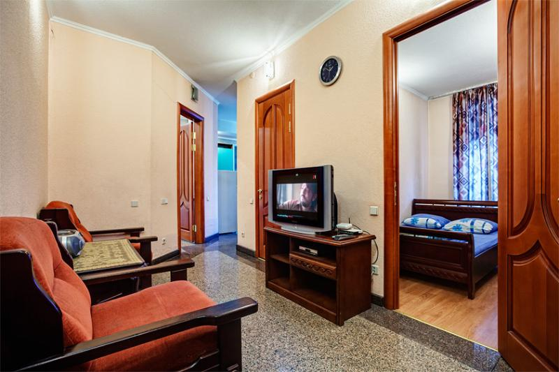 Street Basseynaya 7/6 - 3rooms center of Kiev,Basseynaya, near Khreschatyk - Ukraine - rentals
