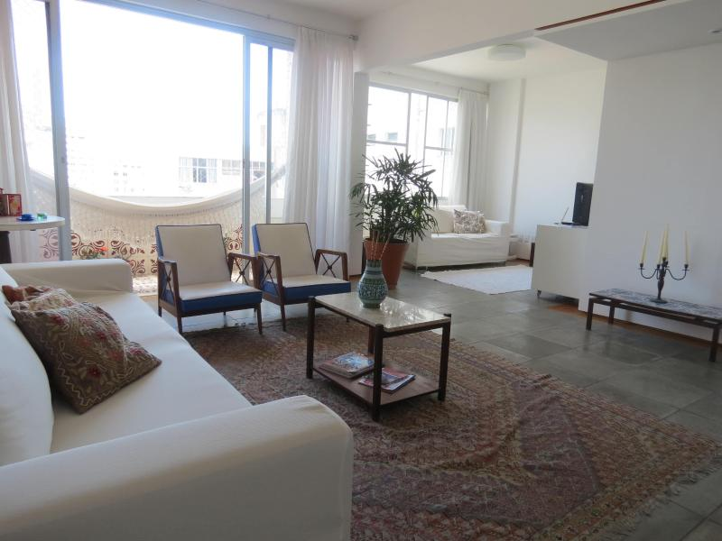 Living room - Apartment Barra, Salvador, Bahia, Brazil (150 mts from the beach) - Cabaceiras do Paraguacu - rentals