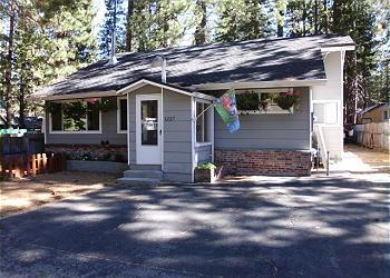 1227M Tahoe Time Cottage - Image 1 - South Lake Tahoe - rentals