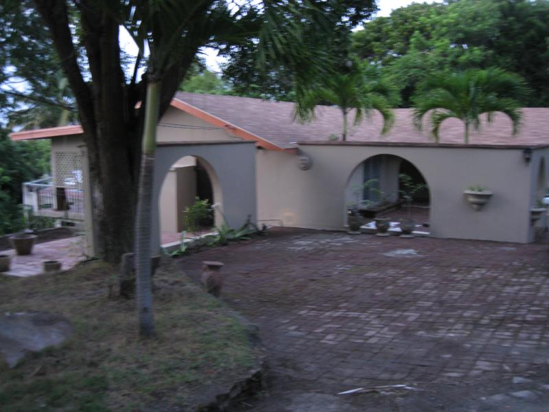 3 bedroom 2 bath room villa with all the amenities - Image 1 - Olveston - rentals