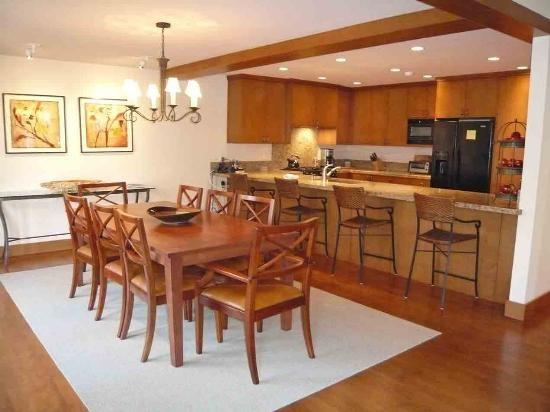 Bitterroot #212 , Unit #5, Beautiful Townhome in Desirable Sun Valley Location - Image 1 - Sun Valley - rentals