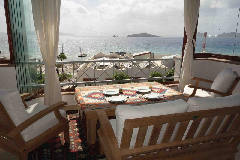 The Sultan's Table - Professionally remodeled view penthouse - Turgutreis - rentals